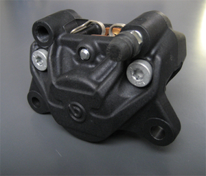ブレンボ デカカニ2potキャスティング(ブラック)34mmピストン。