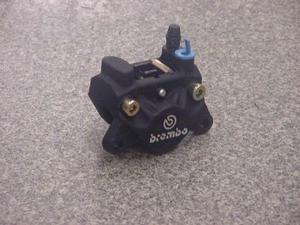 ブレンボ 旧カニ2potキャスティング32mmピストン(ブラック)